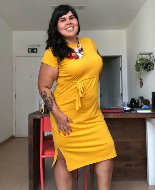 look plus size com vestido casual