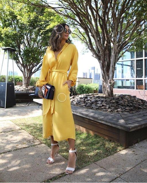 vestido midi com mangas longas