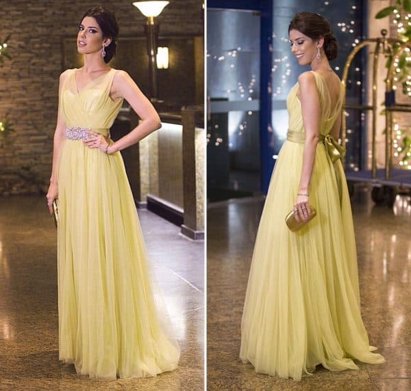 vestido amarelo pastel longo