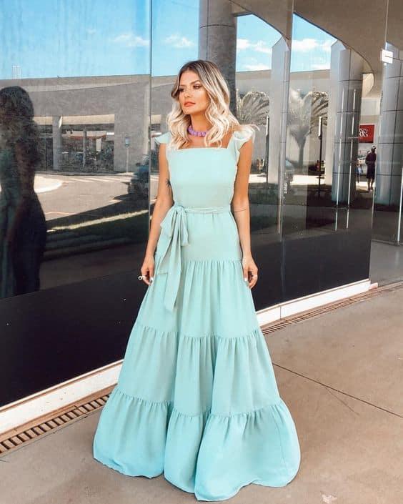 vestido longo e delicado para noivado