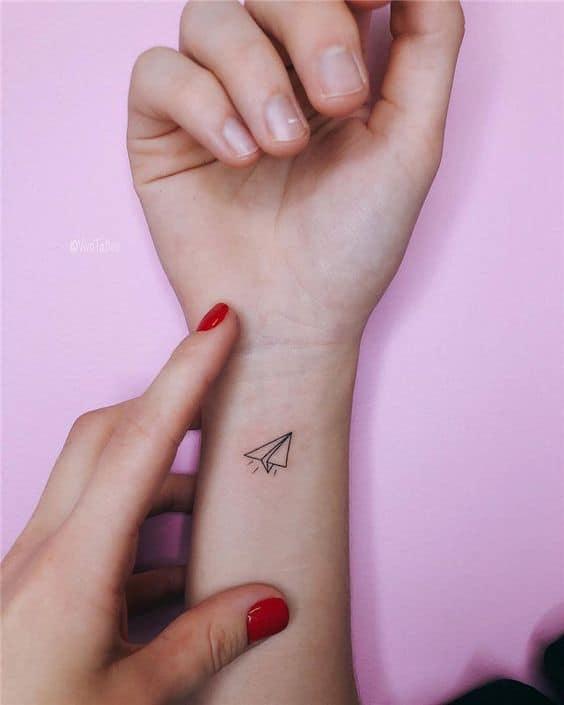 tatuagem divertida pulso