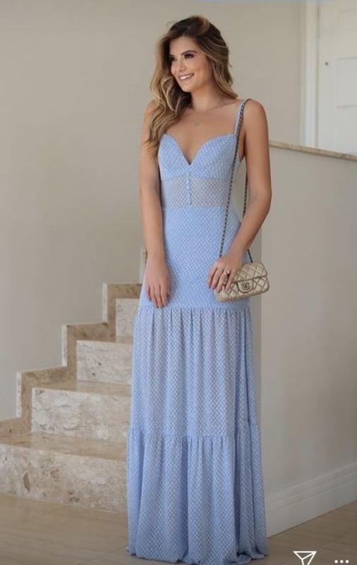 vestido azul claro longo para noivado
