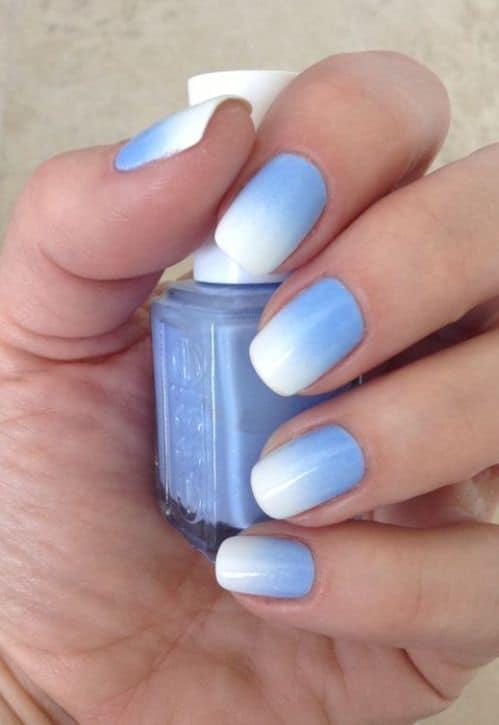 unha decorada azul claro