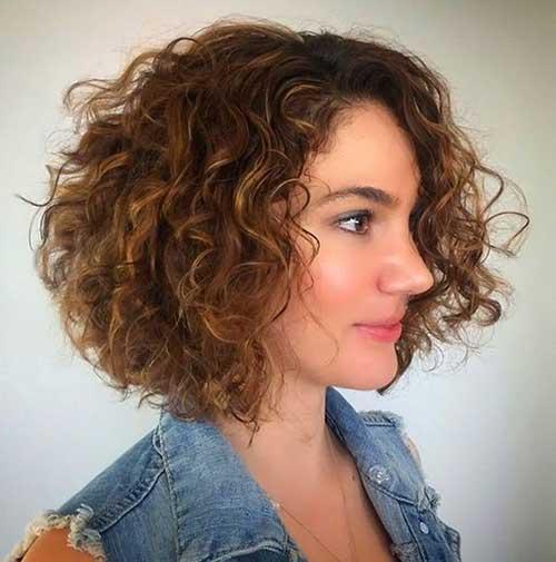 cabelo curto iluminado com luzes
