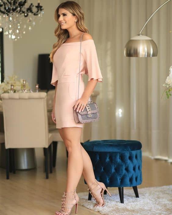 vestido rosê com mangas curtas