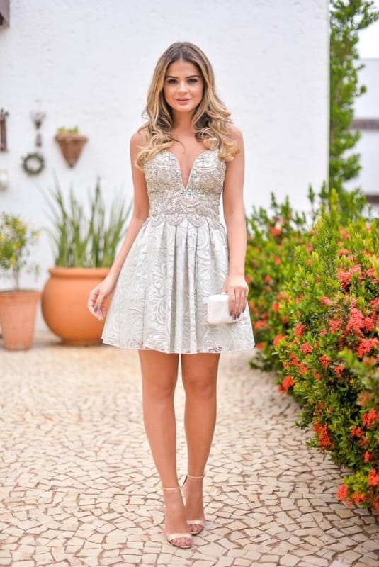vestido bordado para noivado