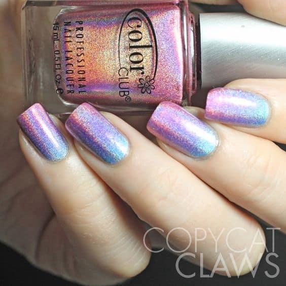 nail art colorida com brilho