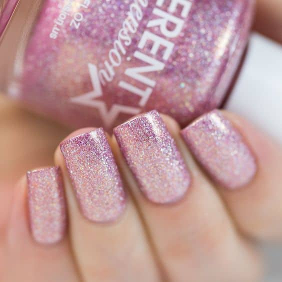 unhas decoradas com glitter rosa