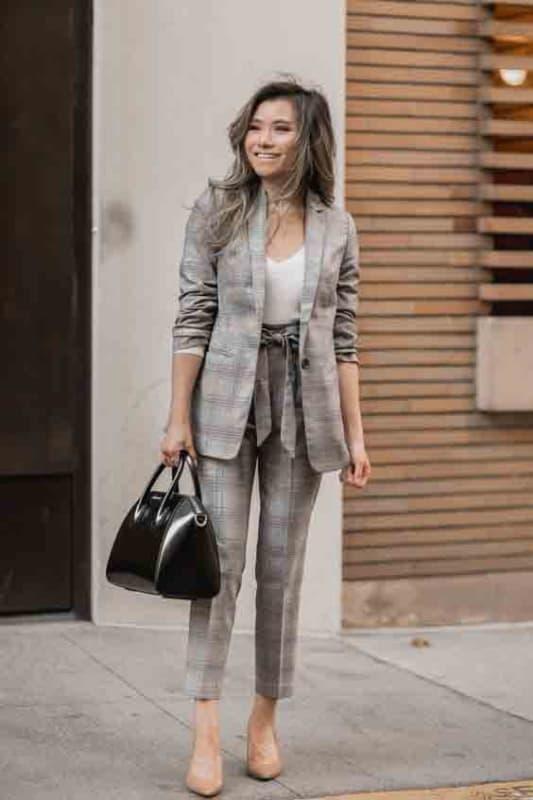 Combinação entre blazer calça xadrez 33
