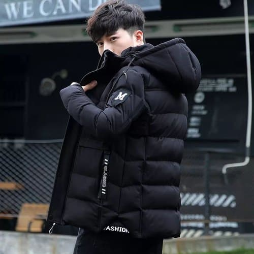 jaqueta puffer masculina preta grande e volumosa