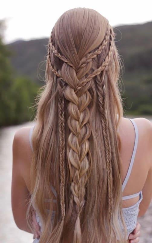penteado com ligas trança longa
