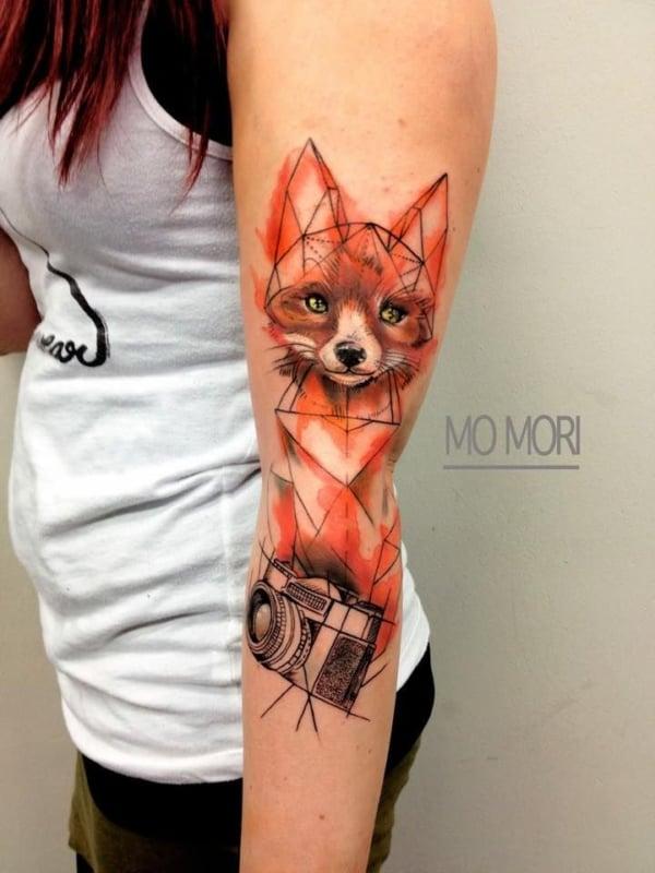 raposa geométrica no braço