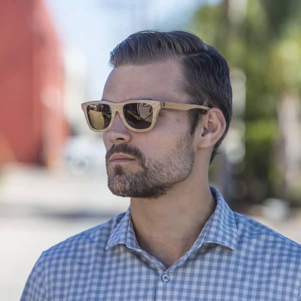 óculos de madeira masculino escuros