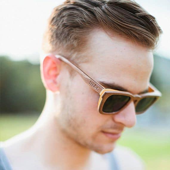 óculos de madeira masculino estiloso