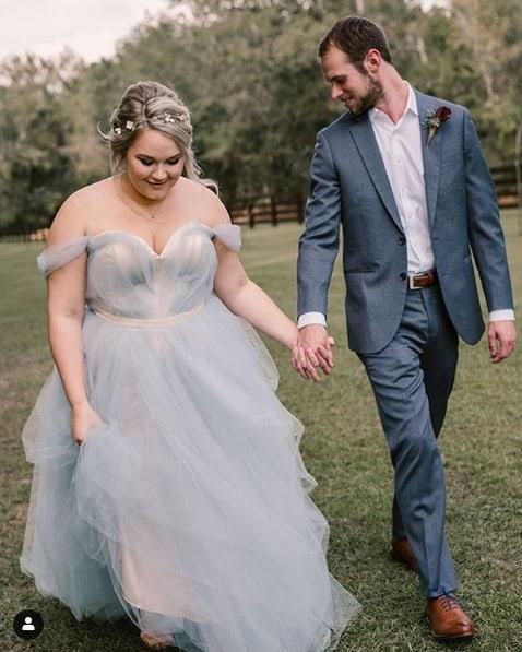 vestido de noiva azul plus size