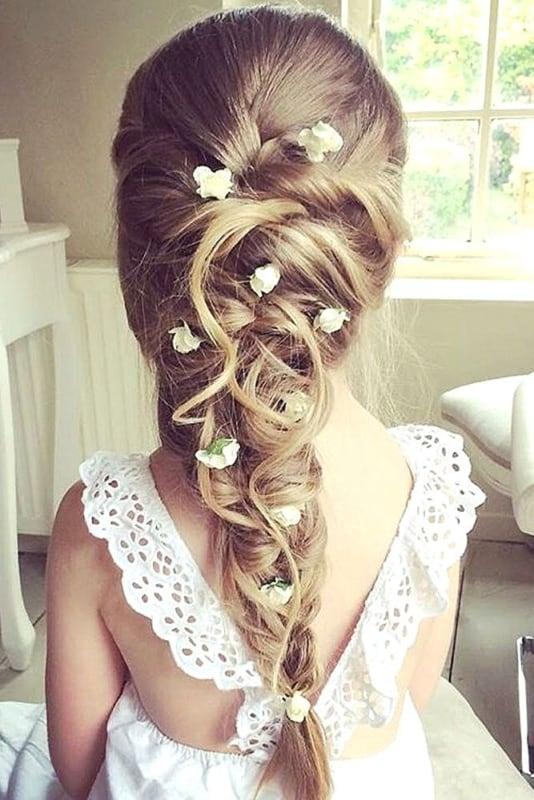 penteado com trança para daminha de casamento