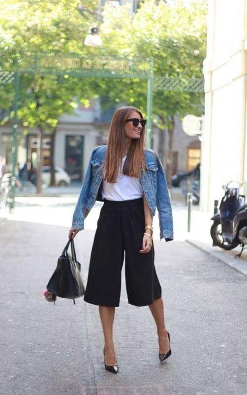 look pantacourt com jaqueta jeans