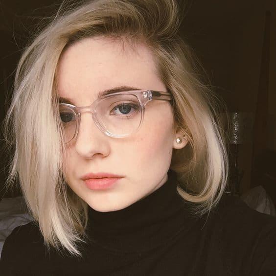 óculos feminino com armação transparente
