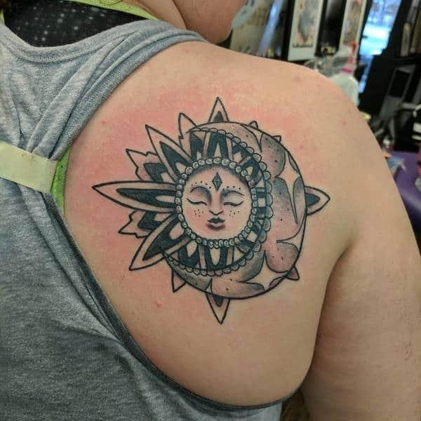 tattoo no ombro