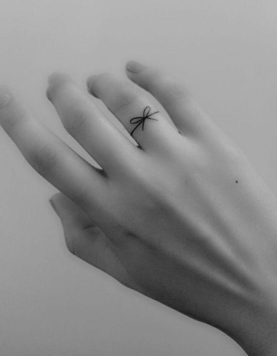 tatuagem pequena feminina