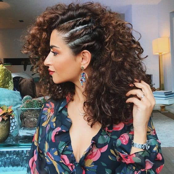 penteado fácil de fazer para cabelo cacheado