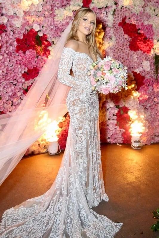 vestido de noiva moderno com mangas longas
