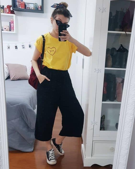 pantalona curta com tênis all star