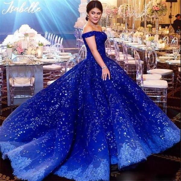 vestido de noiva azul ombro a ombro