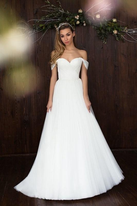 vestido de noiva com decote ombro a ombro caído