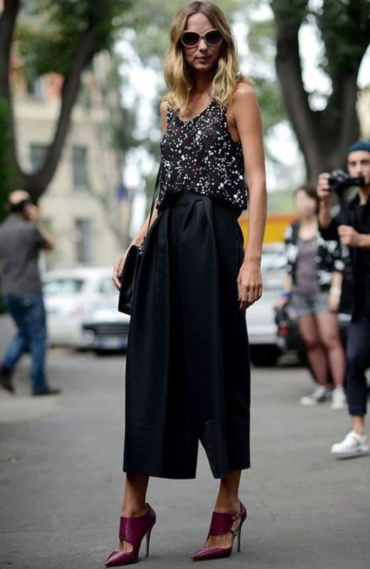 look festa com pantalona curta preta