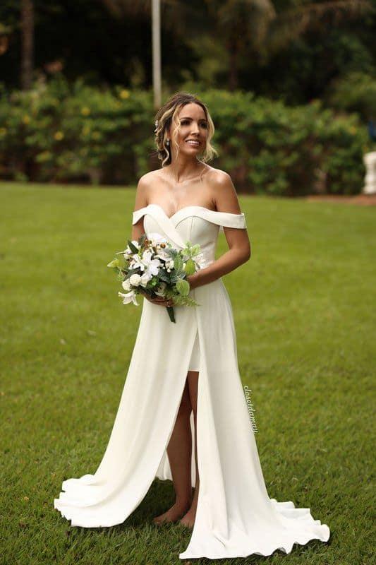 vestido de noiva minimalista para casamento no campo