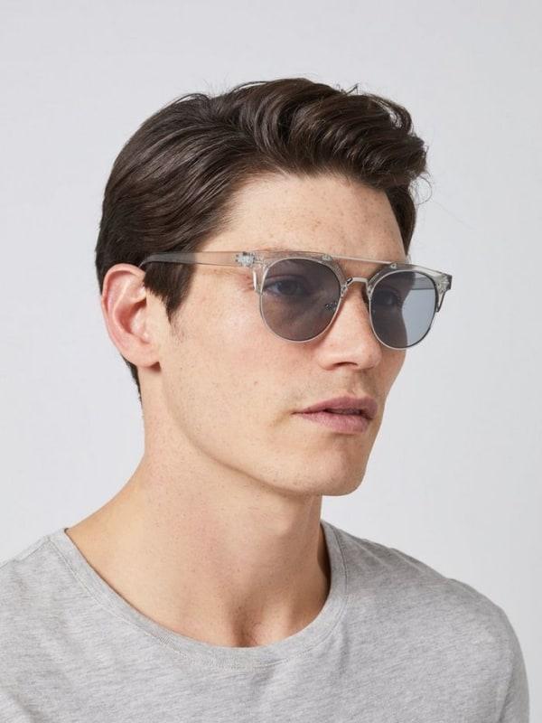 óculos de sol moderno para homem