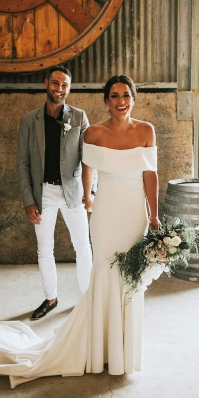 vestido de noiva simples e liso