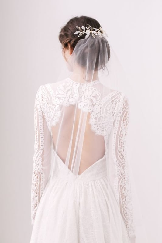 penteado de noiva preso com véu