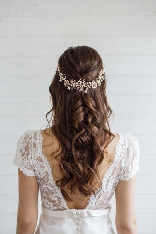 noiva com penteado semi preso simples