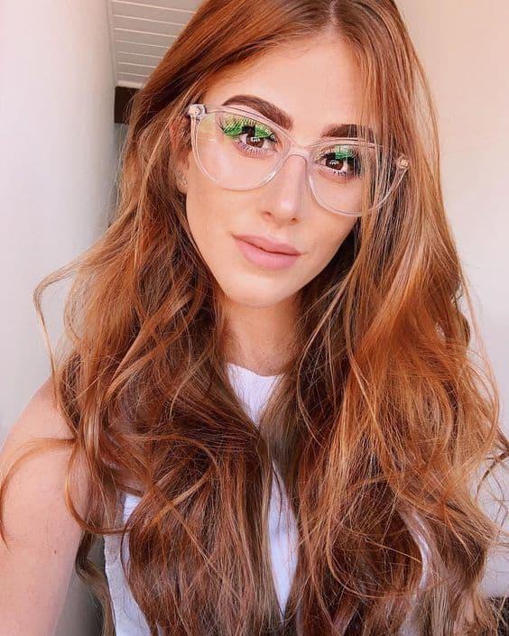 óculos de grau que combina com cabelo ruivo