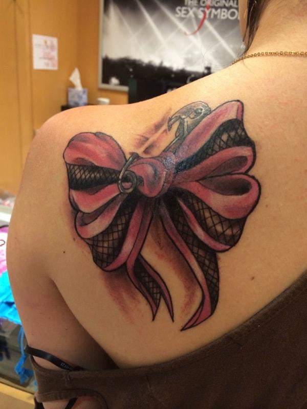 tattoo de laço grande