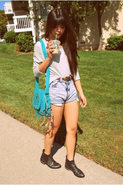 Look descolado com short jeans e bota chelsea