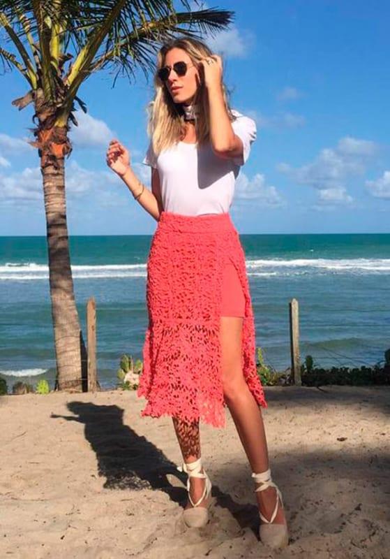 Sugestão de look para vestir na praia com óculos hexagonal
