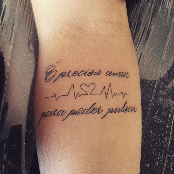 Tattoo com frase para enfermeiros