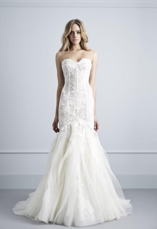 Vestido de noiva rendado sereia com tule