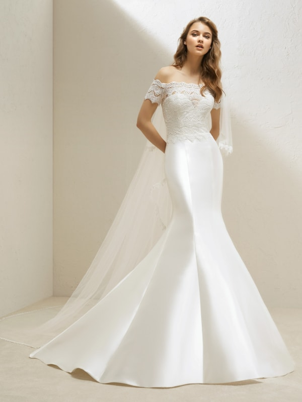 Vestido de noiva sereia sem muitos detalhes