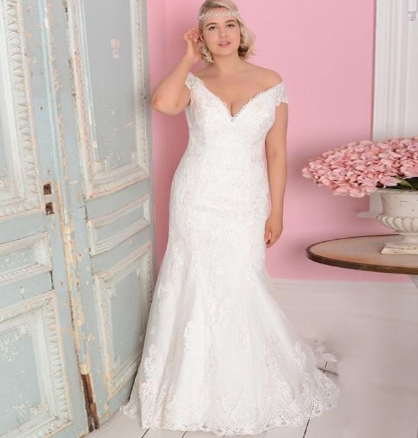 Vestido plus size de noiva sereia