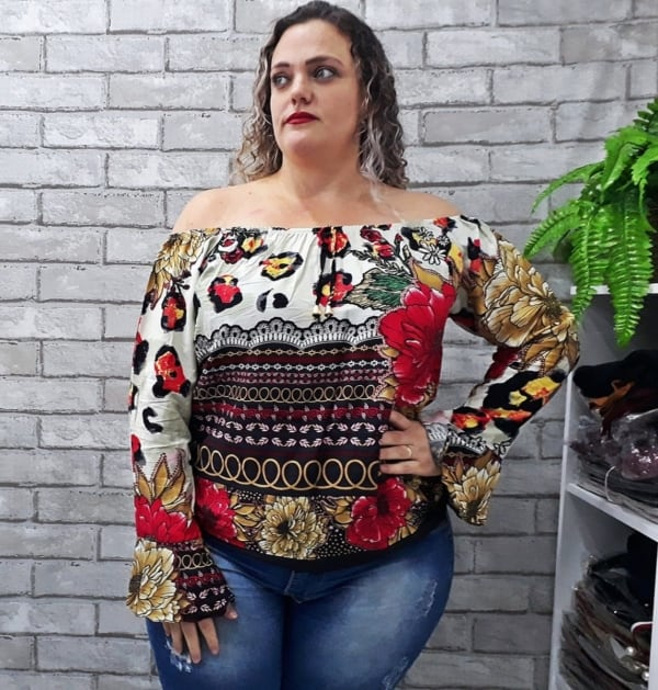 blusa ciganinha plus size estampada manga longa