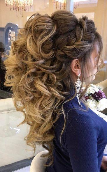 penteados de luxo com cachos soltos