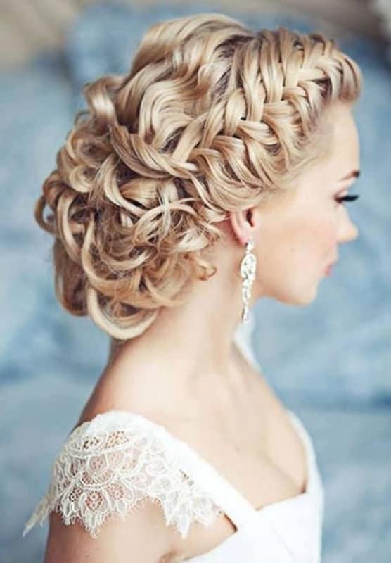 penteados de luxo para noivas loiras