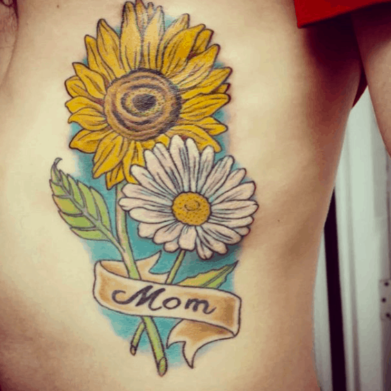 tattoo de mãe na costela