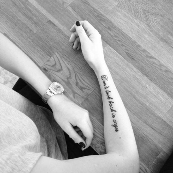 tatuagem de letra de música oasis