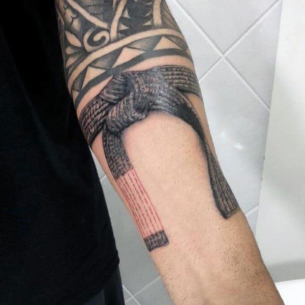 tatuagem jiu jitsu faixas