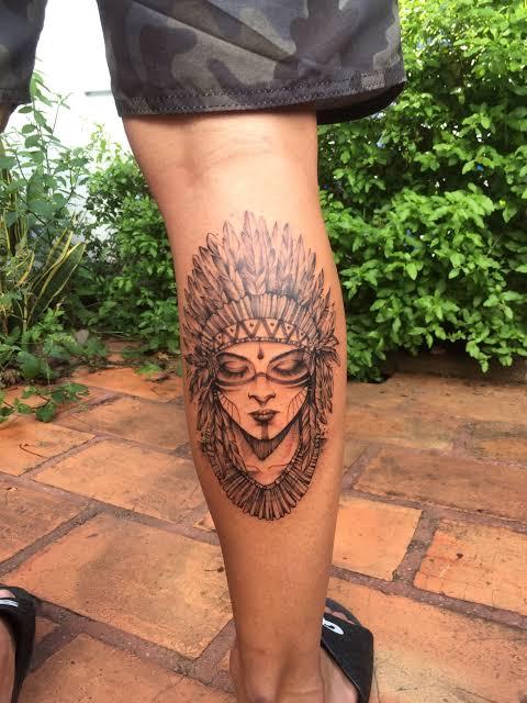 tatuagem na panturrilha masculina índia